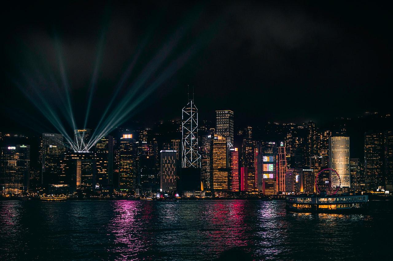 香港新老兩大樓盤-比華利山和柏蔚山